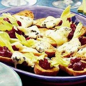 Crunchy Christmas Crostini