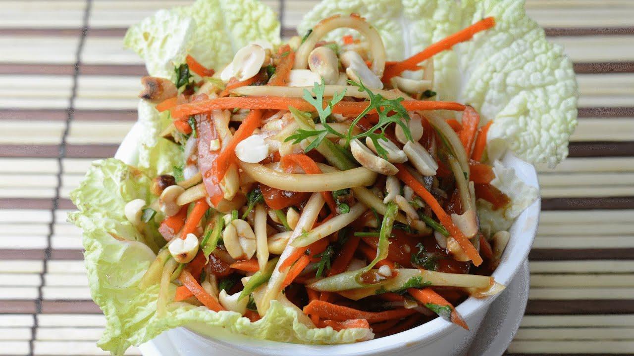 Som Tam Vegetarian – Thai Green Papaya Salad  – By Vahchef @ vahrehvah.com
