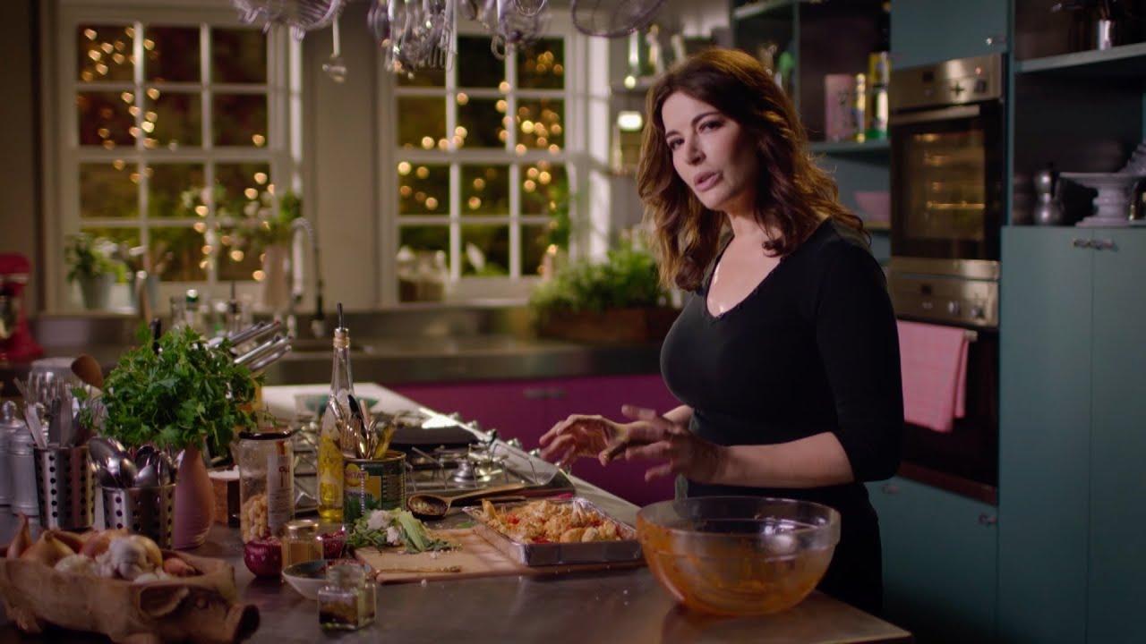 Warm spiced Cauliflower and Chickpea salad recipe – Simply Nigella: Episode 1 – BBC Two