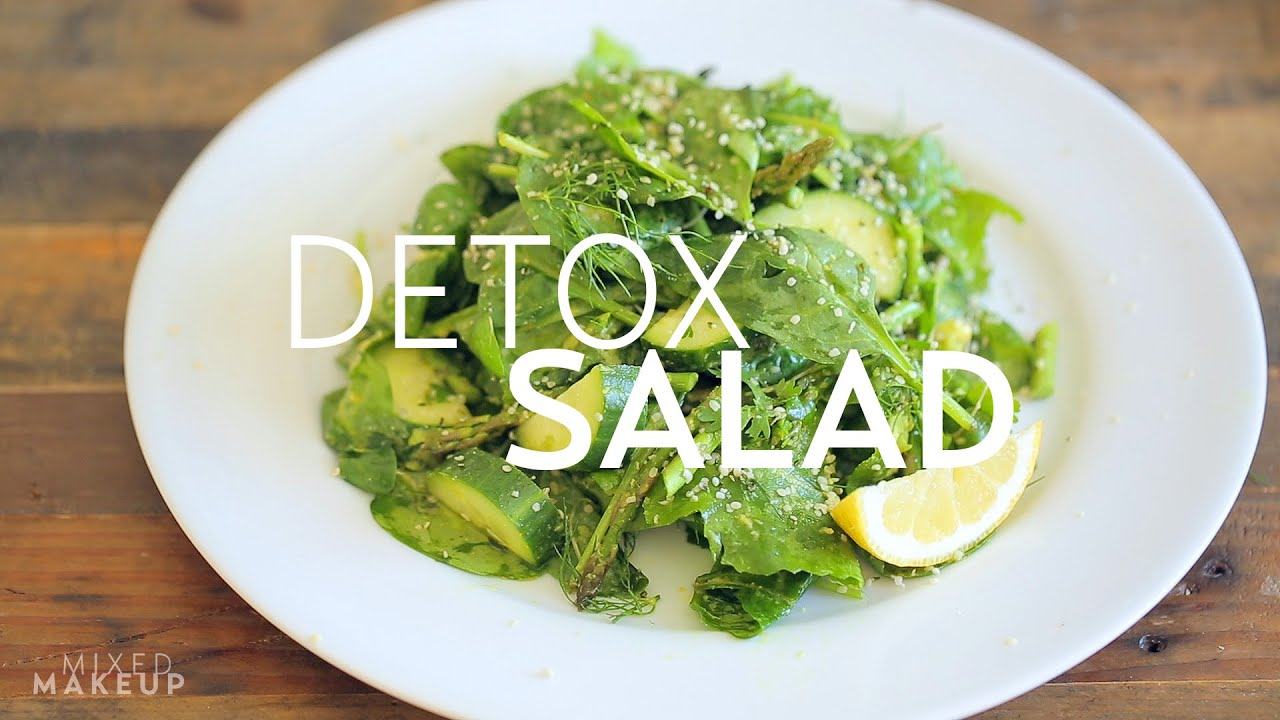 A Delicious and Healthy Green Detox Salad from #BeWellbyKelly