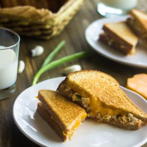 Skinny Egg Salad Grilled Cheese